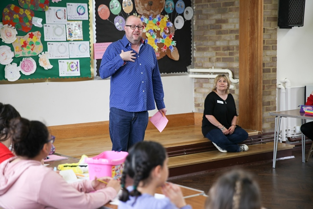 Duncan Barkes gives Radio talk at Story Factory Chichester